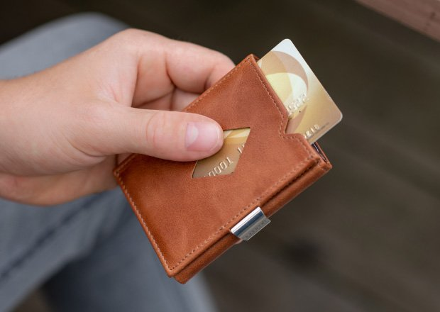 the exentri leather wallet in tan