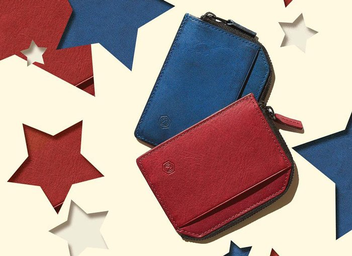 capsule-wallets-red-and-blue