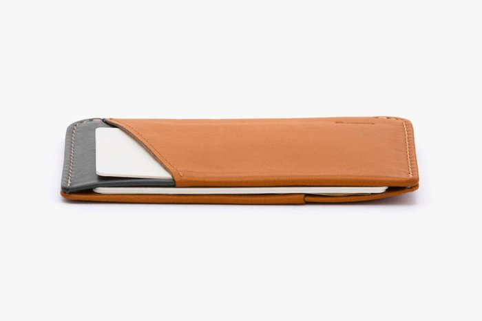 Bellroy-Micro-Sleeve-Side-Profile