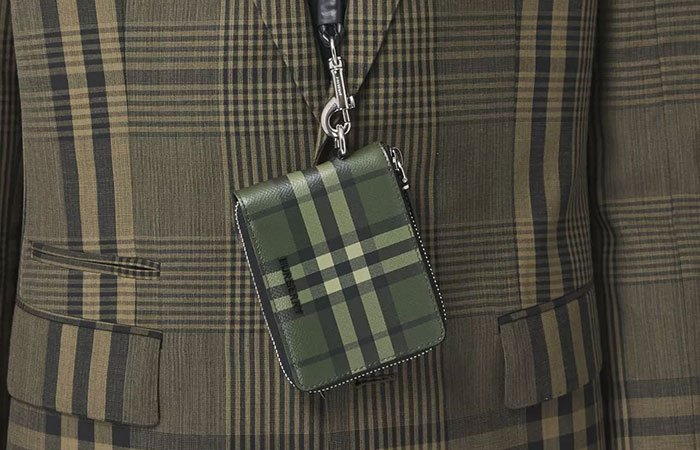 Burberry Wallet Review