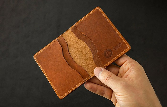 Horween-Tony-the-Ant-Wallet
